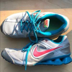 Nike Women's Reax Run Gray and Teal Sneakers